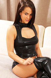 felicity-hill-leather-top-and-boots