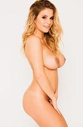 jess-kingham-takes-off-her-bikini