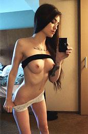 ari-dee-naked-selfies