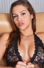 karter-foxx-looks-seductive-in-black-lingerie