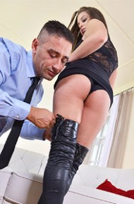 antonia-sainz-banged-in-boots