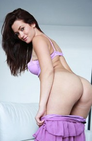 tess-lyndon-in-a-purple-dress