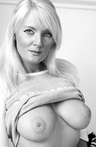jayne-connery-posing-topless