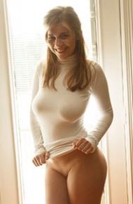 natalie-austin-thick-ass-in-a-tight-dress