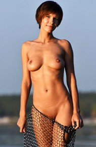 suzanna-aye-naked-in-the-sunset
