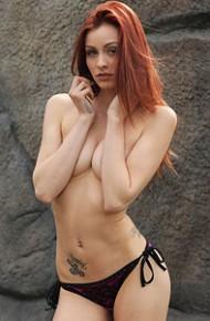 taylor-wynn-takes-off-her-bikini-top