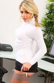 tillie-feather-office-blonde-in-stockings