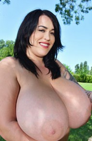 leanne-crow-busty-chick-on-a-swing