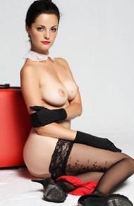lu-lu-topless-in-stockings