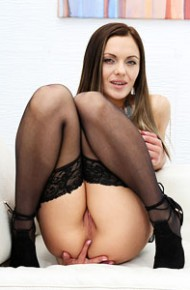 dominica-phoenix-fingers-pussy-in-stockings