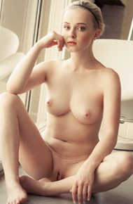 ellie-jane-perfect-nude-blonde