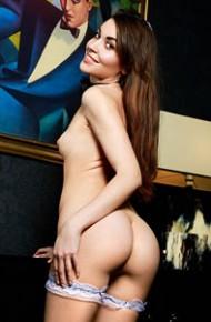 rosie-lauren-strips-off-her-lingerie