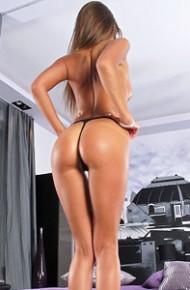 Melena Maria Leggy Vixen in Heels