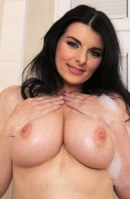 Sandra Nero Bath Time