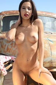 Bella Quinn Naked in the Sun