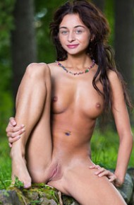 Dominika Dark Teasing Naked Outside
