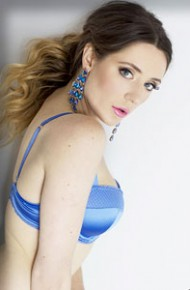 Samantha Bentley Posing Topless
