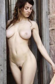 Busty Esmeralda Nude