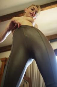 Chloe Toy Topless in Leggings