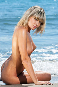 Poly Wet Beach Blonde
