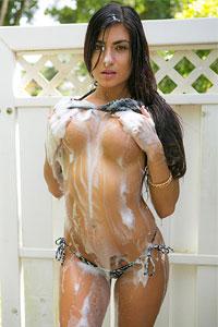 Chloe Parsa Car Wash