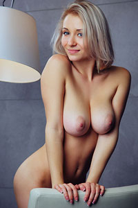 Isabella D Pussy on Display
