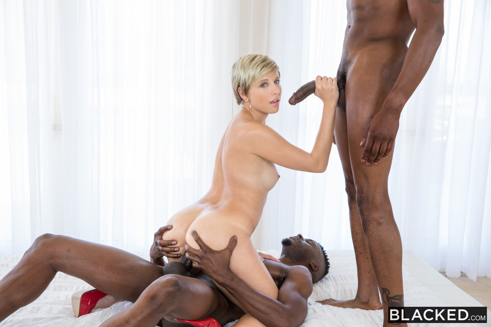 Blacked curvy latina gets dominated by a famous rapper - 37 part 3