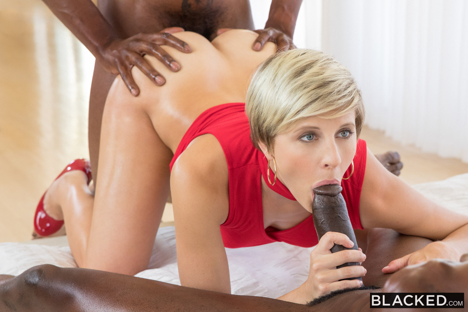 Blacked curvy latina gets dominated by a famous rapper 9
