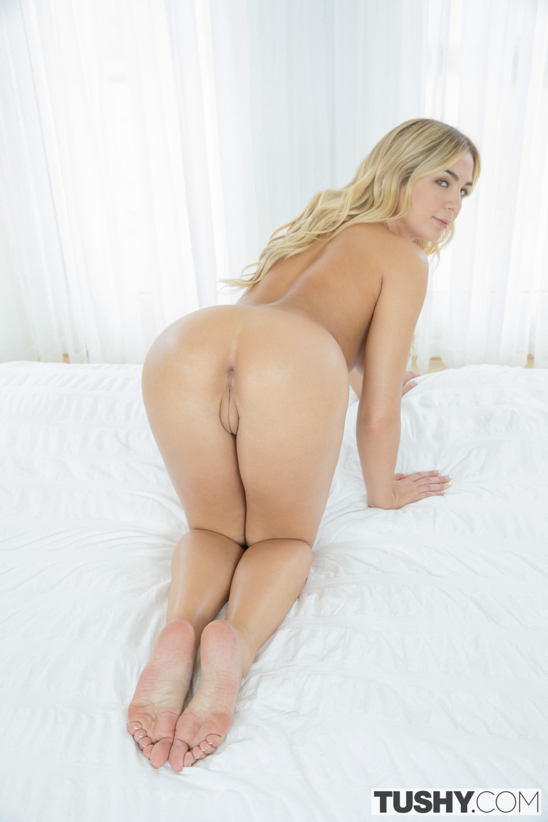 Blonde busty gets old cock sex and cumshot between tits 8