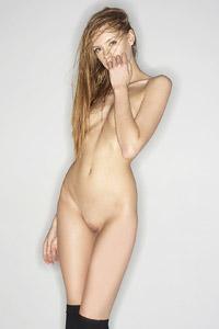 Emma in Nude Art