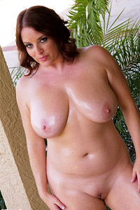 Maggie Green Oiled Milf