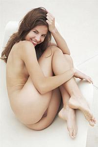 Antea Lounging Naked