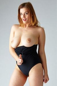 Delina G Hot Curves