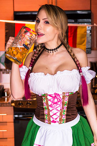 Katie Banks Loves Octoberfest