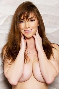 Niki Tyler Sexy in Lingerie