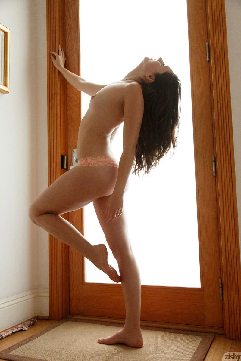 Irene Quinn A Natural Sexy Brunette