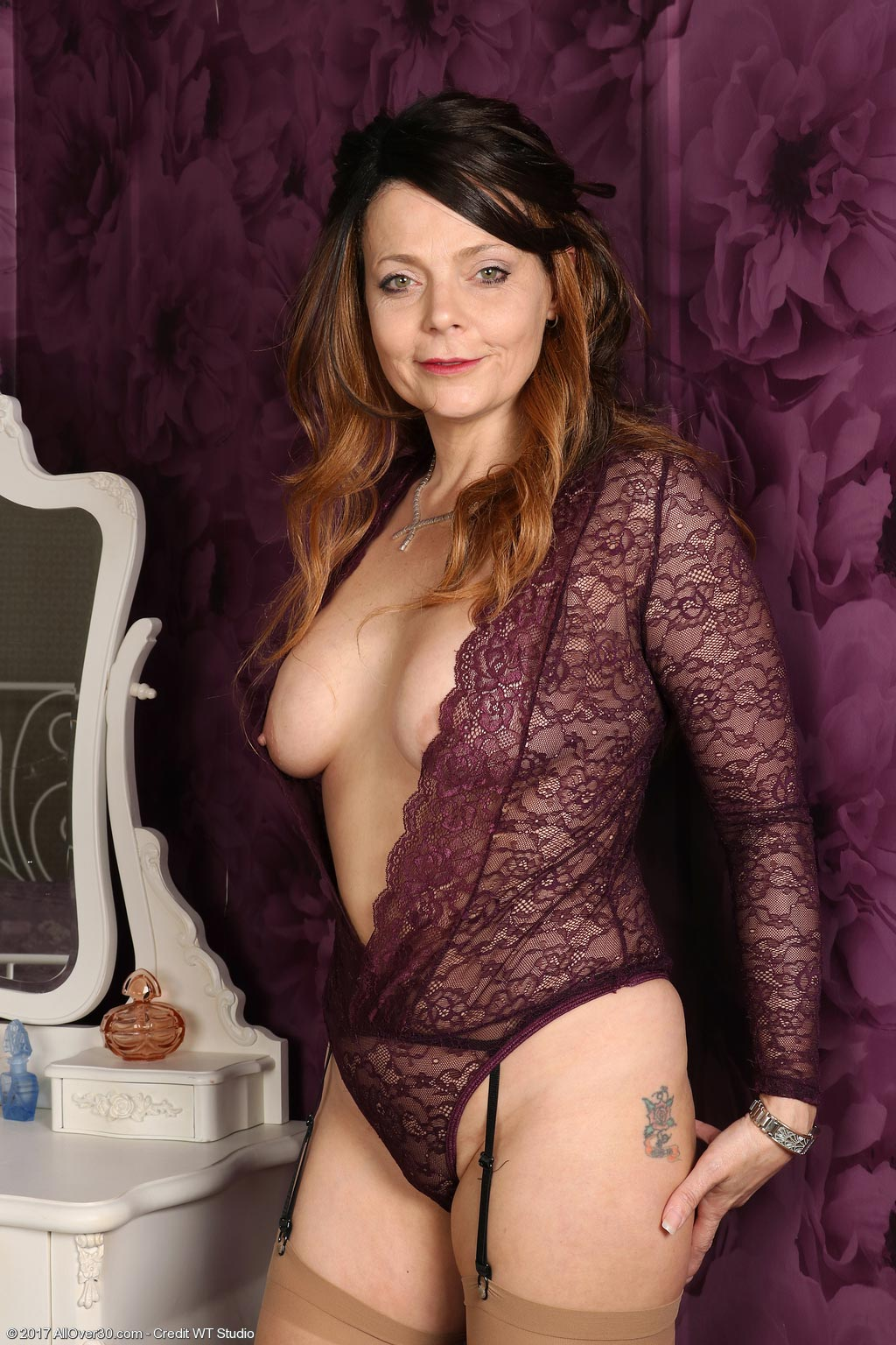 Gemma Gold Milf In Nylon Stockings-4179