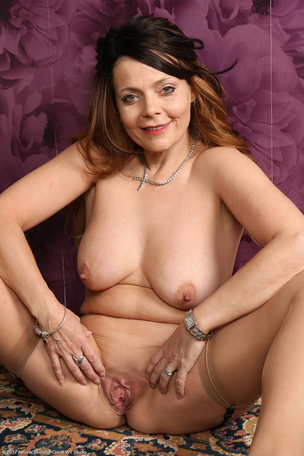 Gemma Gold Milf in Nylon Stockings