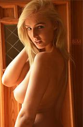 Lissy Amazing Naked Curvy Blonde