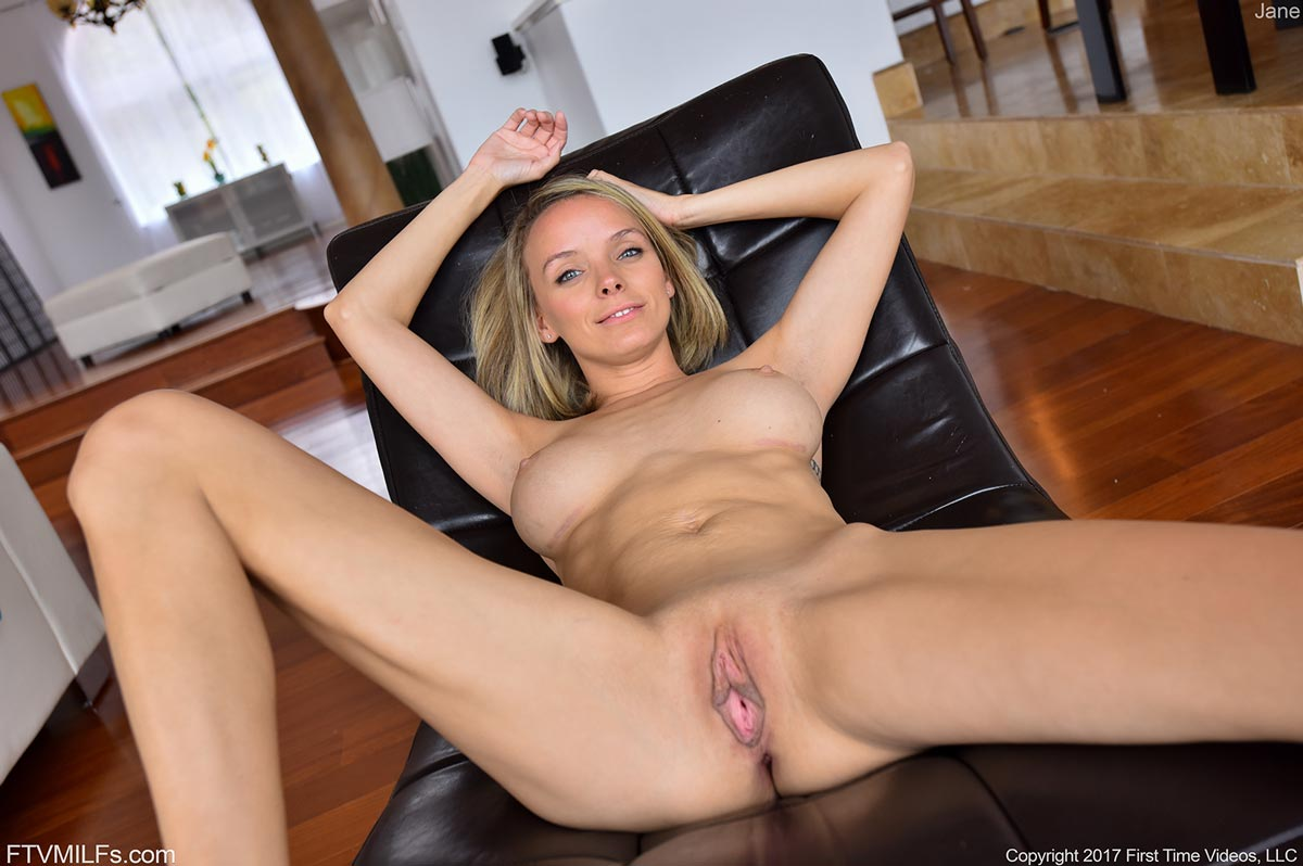 Ftv Milf Jane Shows Pink Pussy-7623