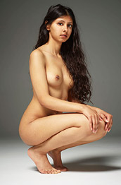 Anaya Nude in the Studio