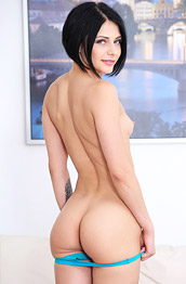 Gabriella Ross Toying Pink Pussy