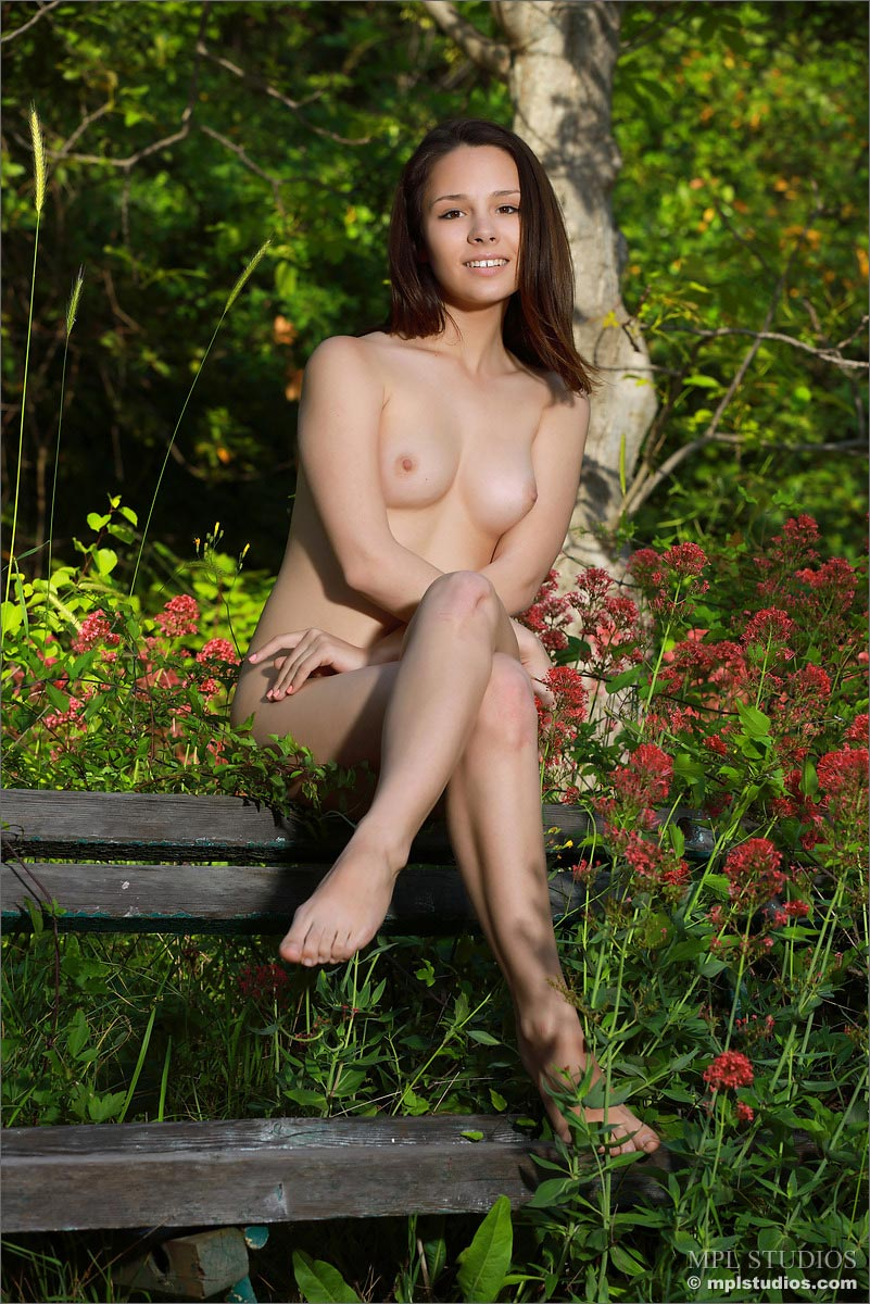 alma naked