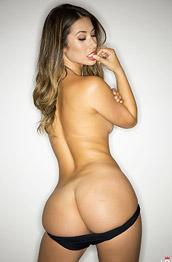 Eva Lovia Shows Off her Booty