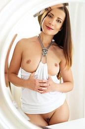 Teressa Bizarre Stunning Naked Brunette