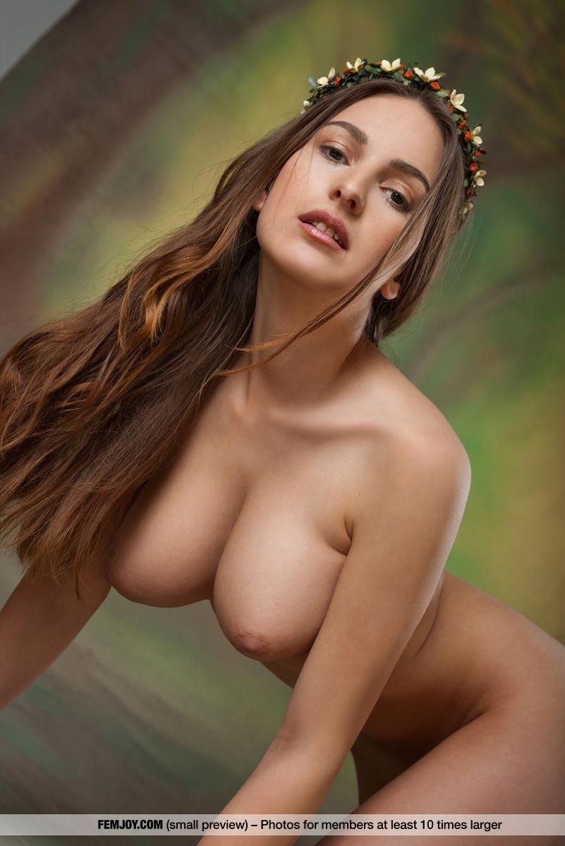 Top nude female models-1552