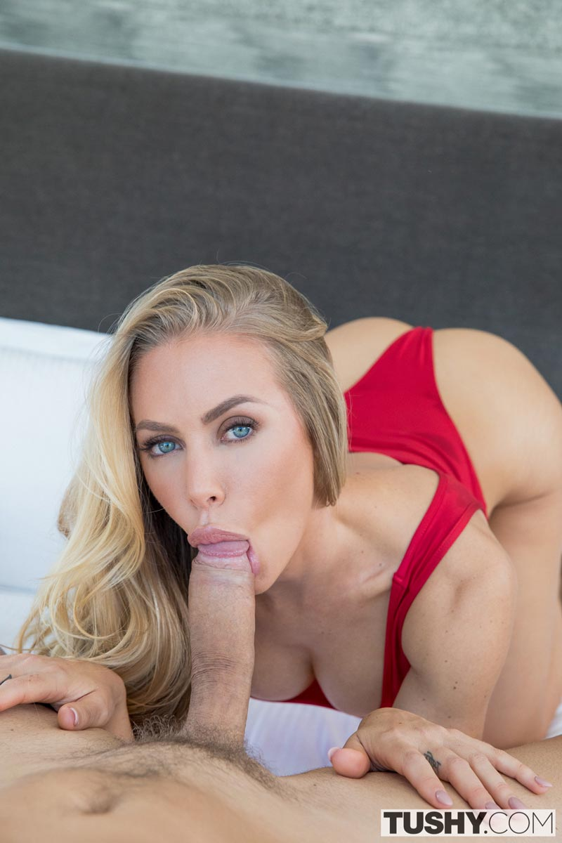 Clit licked and pussy hole fucked