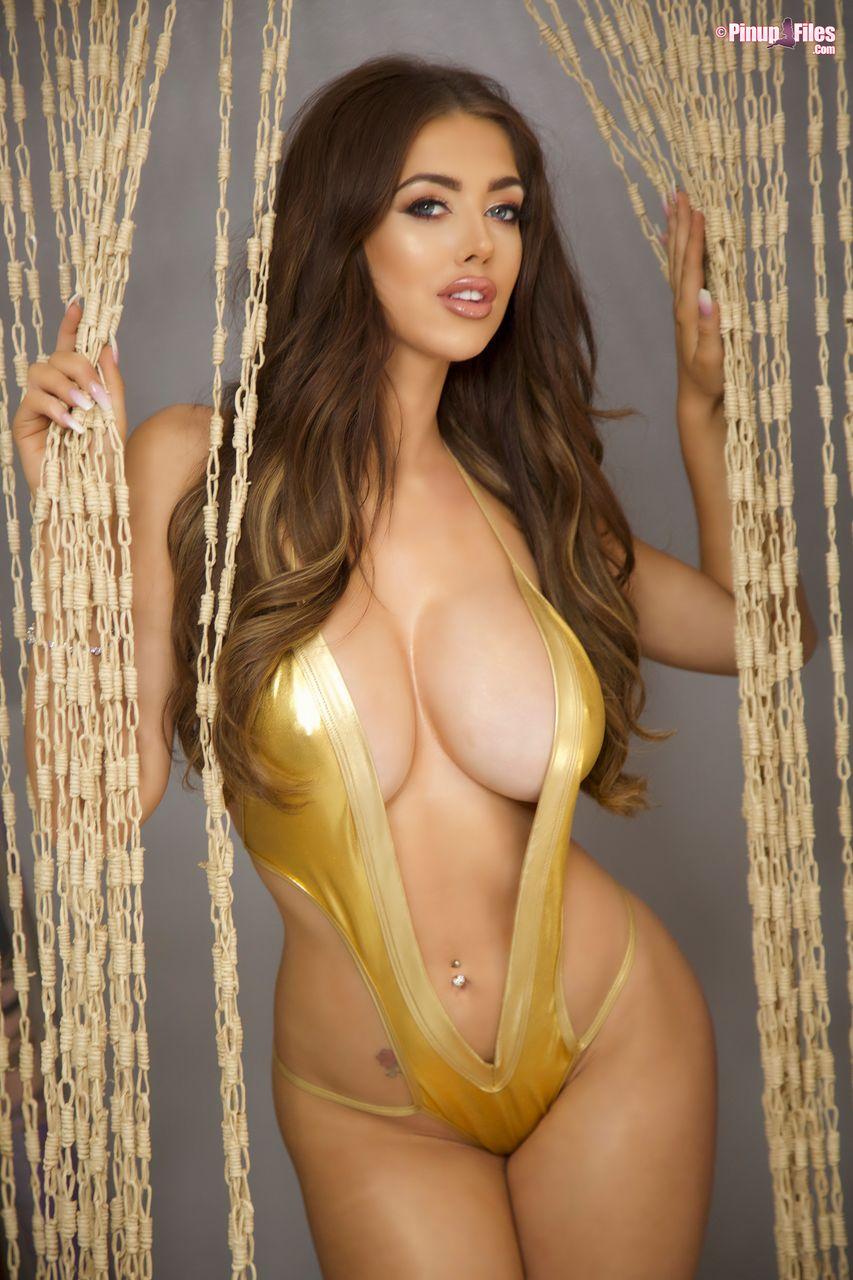 Amazing big tits