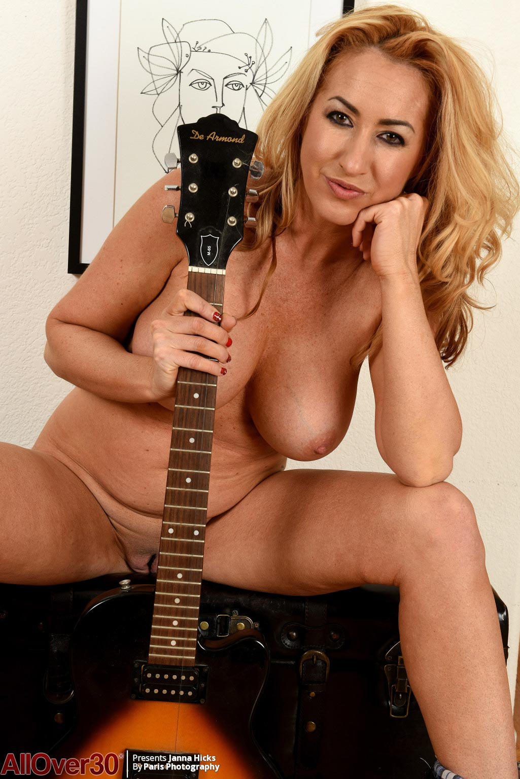 Janna Hicks Naked with a Guitar