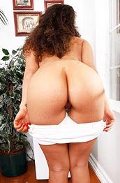 Victoria Voxx Hot Shaved Latina